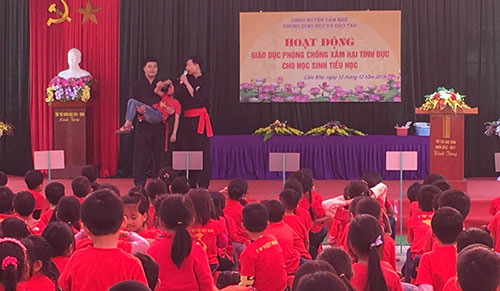 Phòng GD&ĐT tổ chức tuyên truyền giáo dục phòng, chống xâm hại tình dục cho học sinh tại trường Tiểu học Sơn Tình.