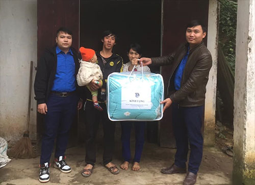 Cẩm Khê sôi nổi  tổ chức các hoạt động trong chương trình tình nguyện Mùa Đông năm 2019