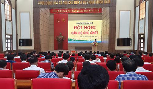 Huyện ủy Cẩm Khê tổ chức hội nghị cán bộ thực hiện quy trình  công tác nhân sự chuẩn bị cho Đại hội đại biểu Đảng bộ huyện lần thứ XXIX