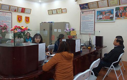Chi bộ Quỹ tín dụng nhân dân Phú Lạc nâng cao năng lực lãnh đạo,   đảm bảo hiệu quả sản xuất kinh doanh.